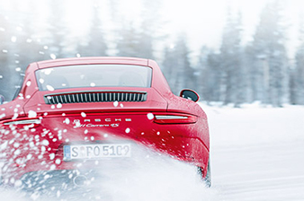 30 years of all-wheel drive in the Porsche 911
